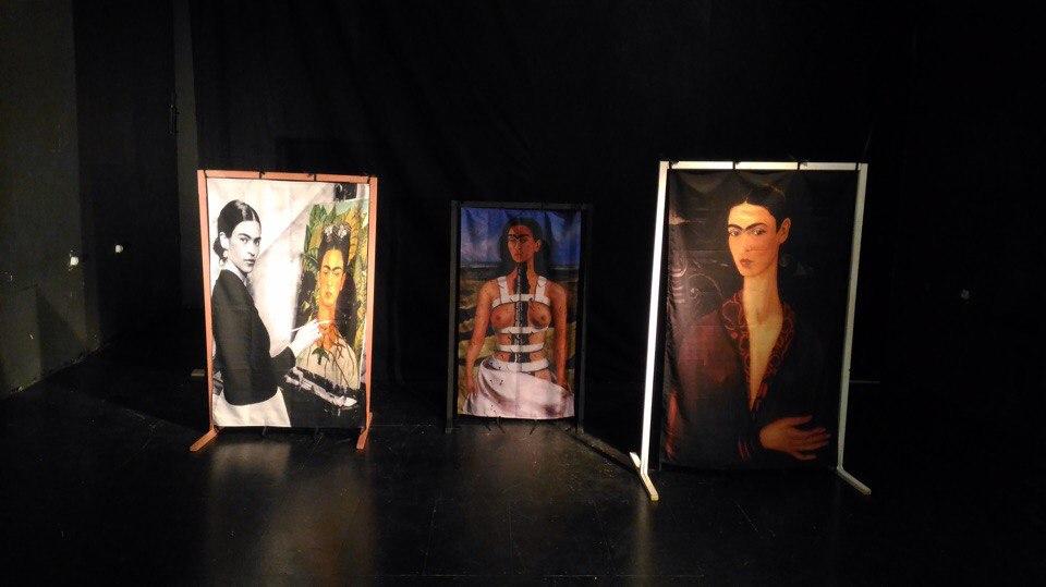 Печать на ткани габардин декораций для театральной постановки